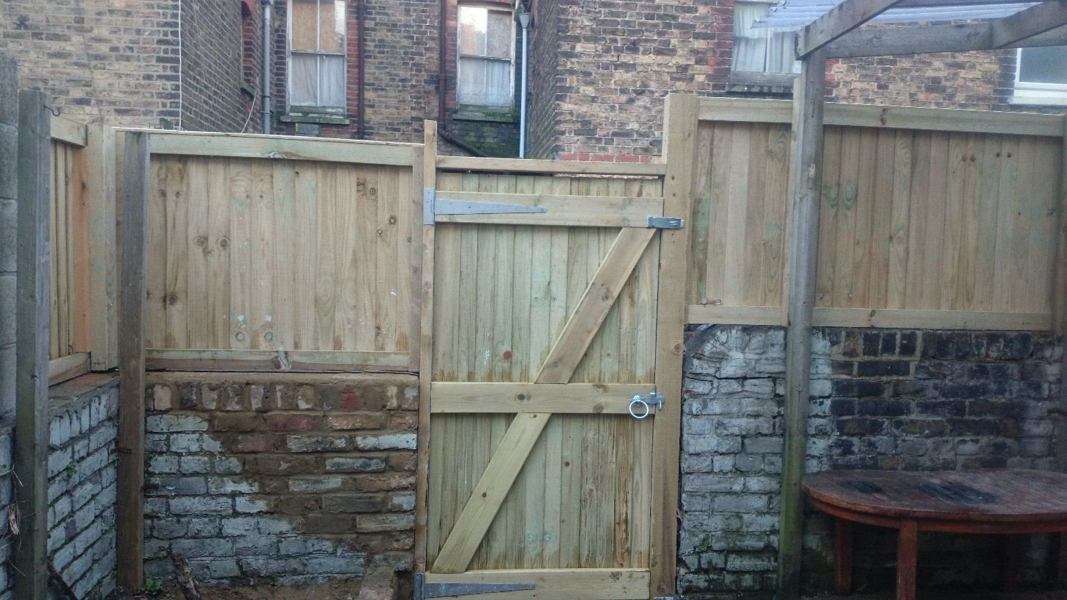 Margate-garden-fencing-and-gate-pic2.JPG